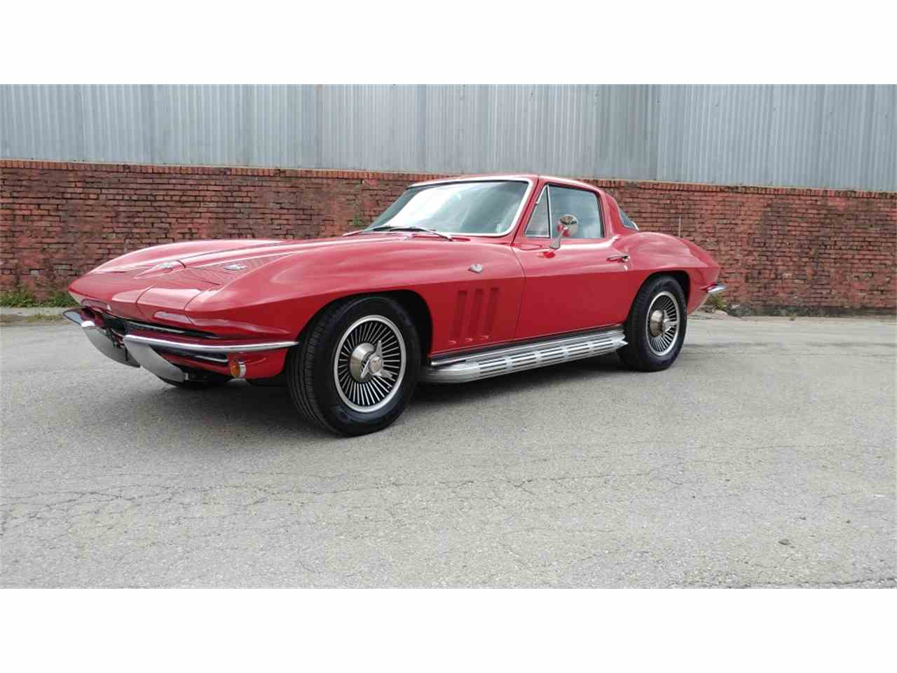 Large Picture of '66 Corvette - MO25