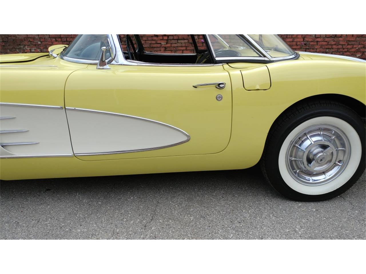 Large Picture of 1958 Corvette located in N. Kansas City Missouri - MO26