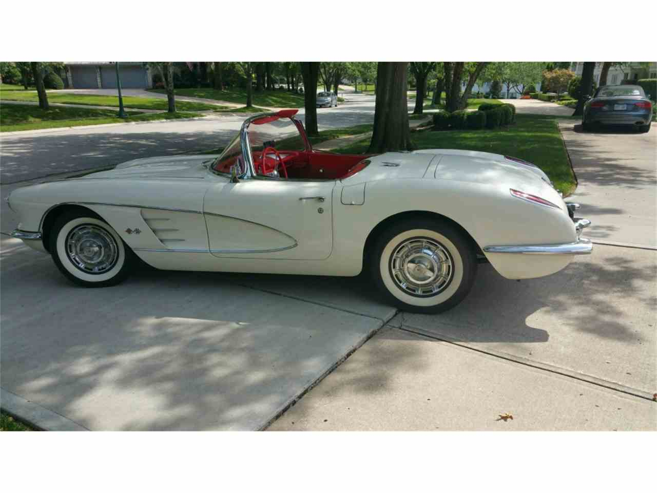 Large Picture of '59 Corvette - MO28