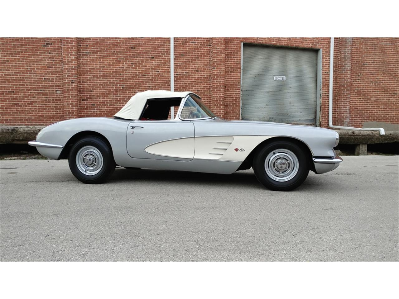 Large Picture of '58 Corvette - MO2B