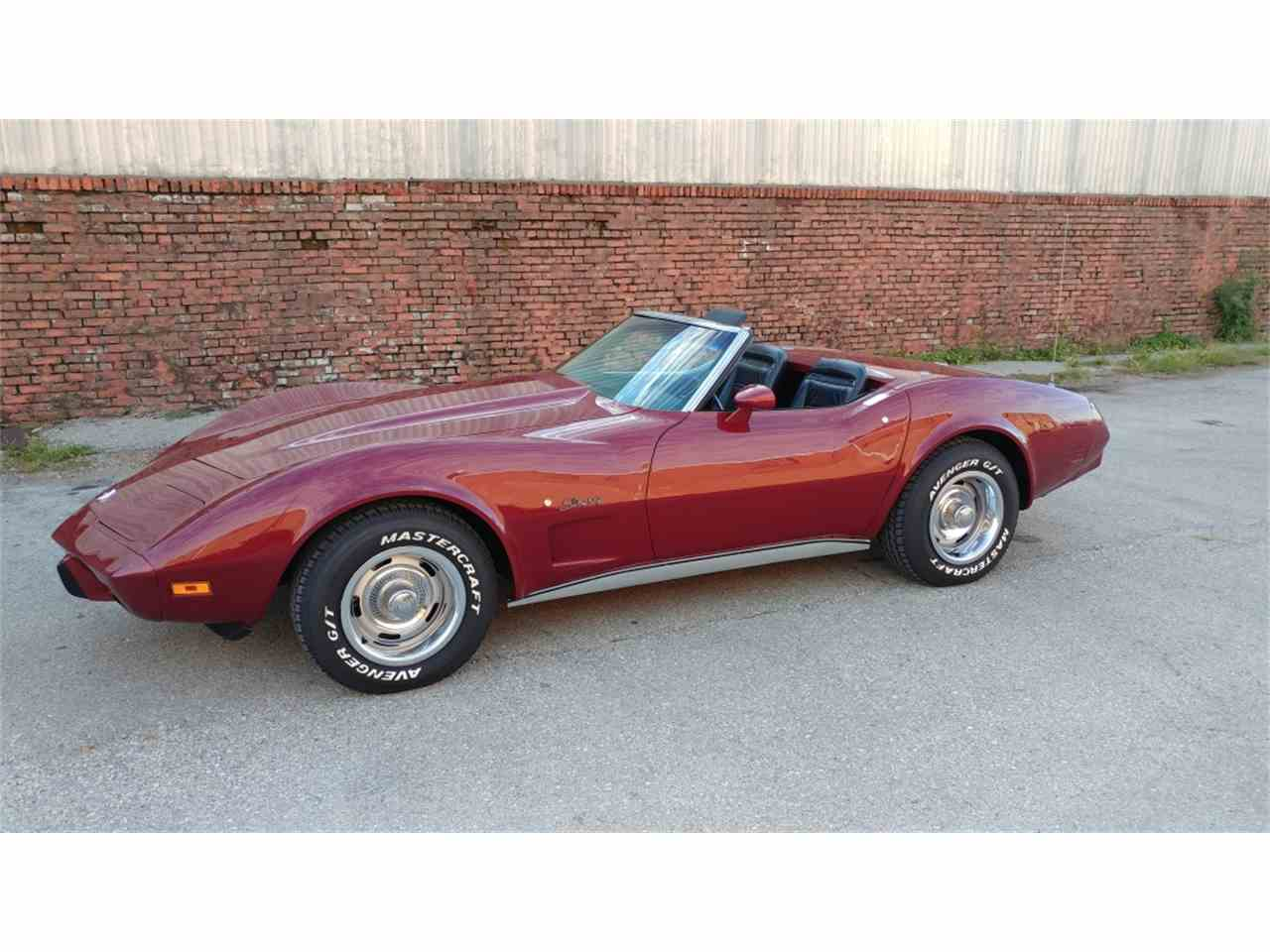 Large Picture of '75 Corvette - MO2D