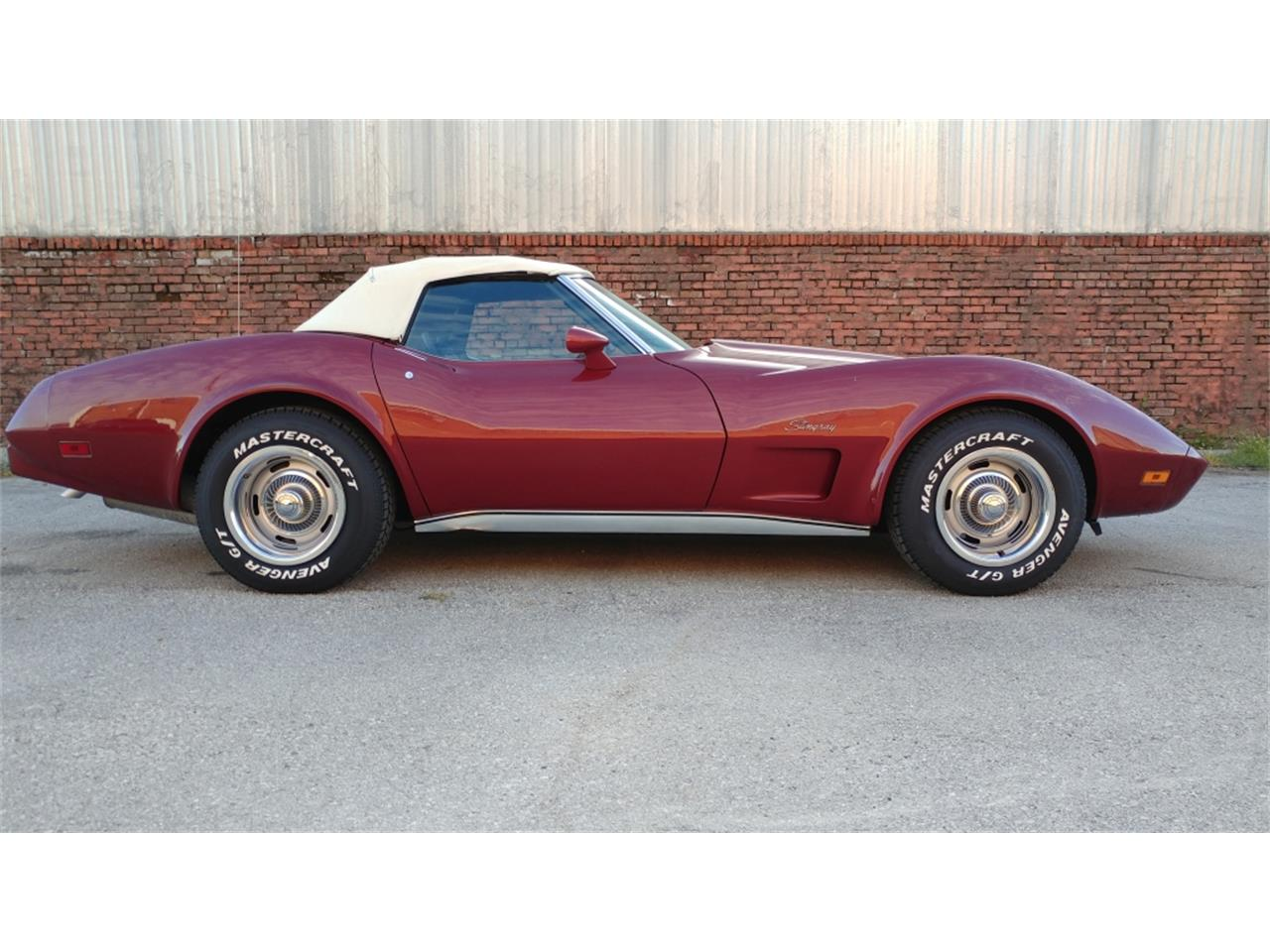 Large Picture of 1975 Corvette Offered by Vintage Vettes, LLC - MO2D