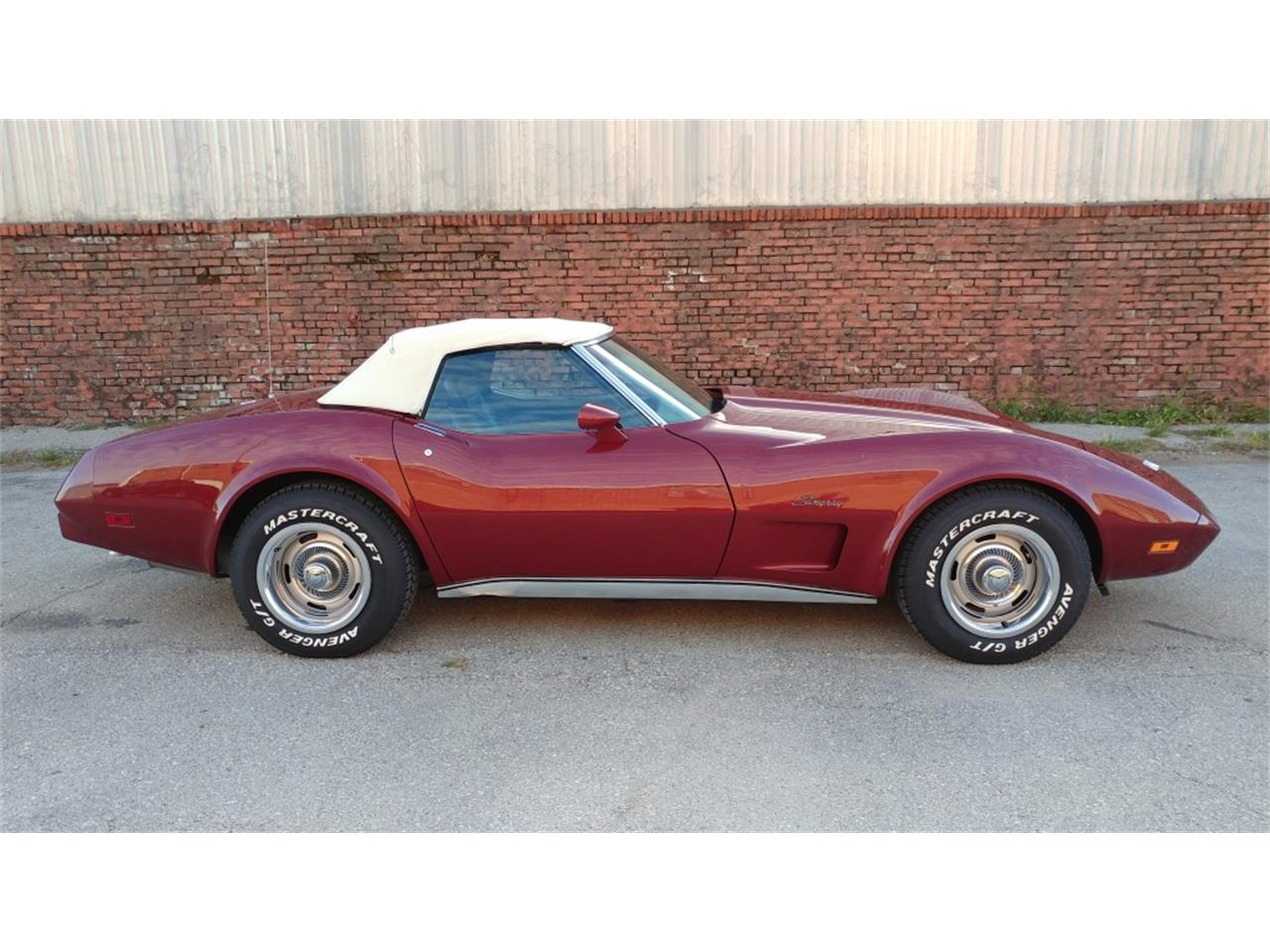 Large Picture of '75 Corvette located in N. Kansas City Missouri - $29,995.00 Offered by Vintage Vettes, LLC - MO2D