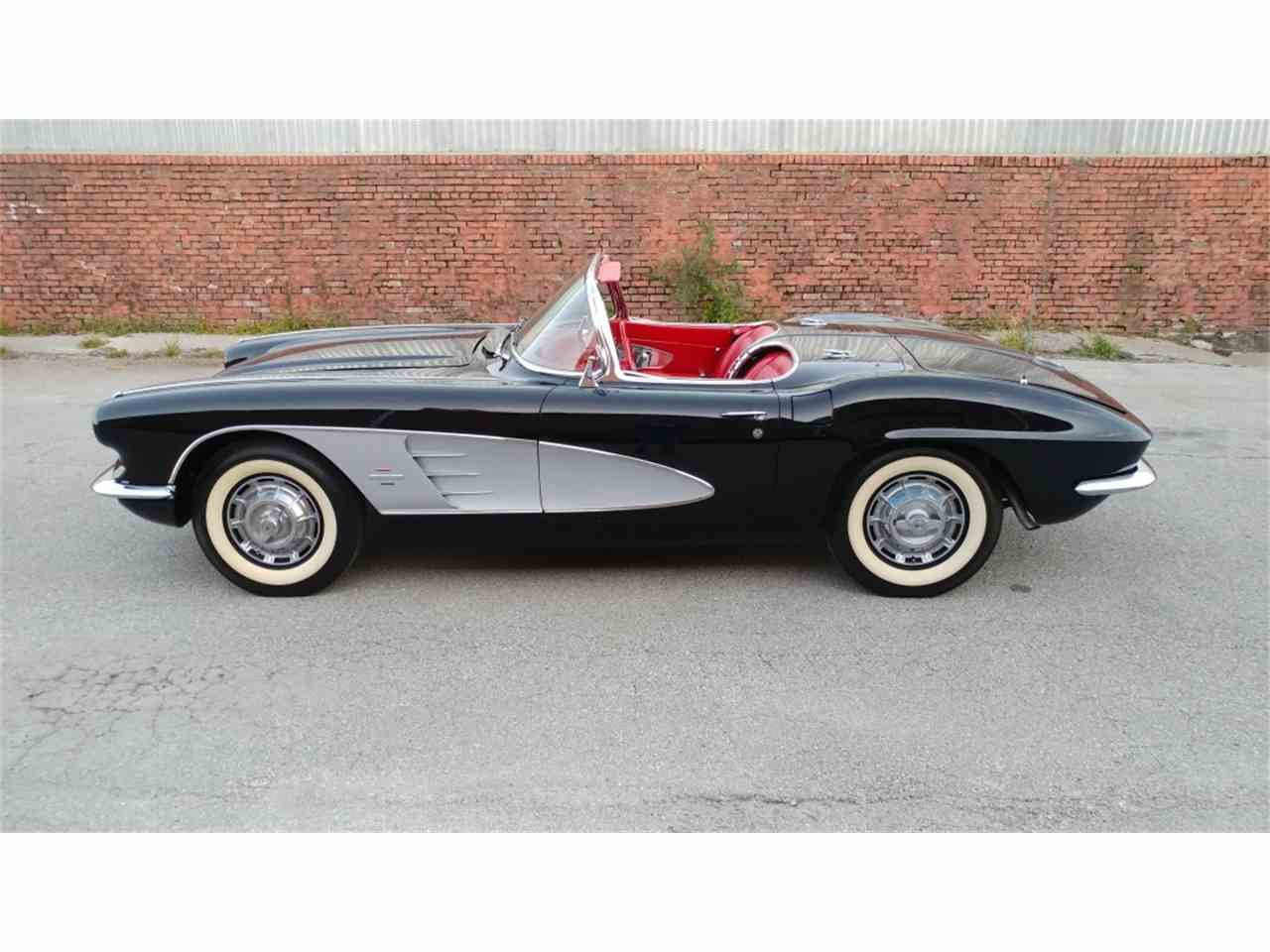 Large Picture of '61 Corvette - MO2E