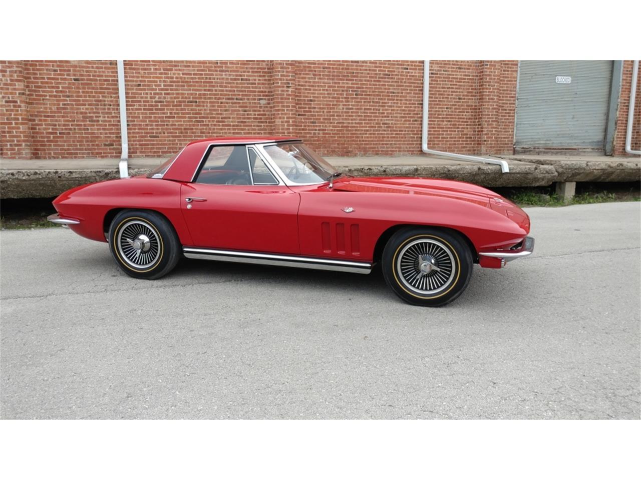 Large Picture of '65 Corvette - MO2I