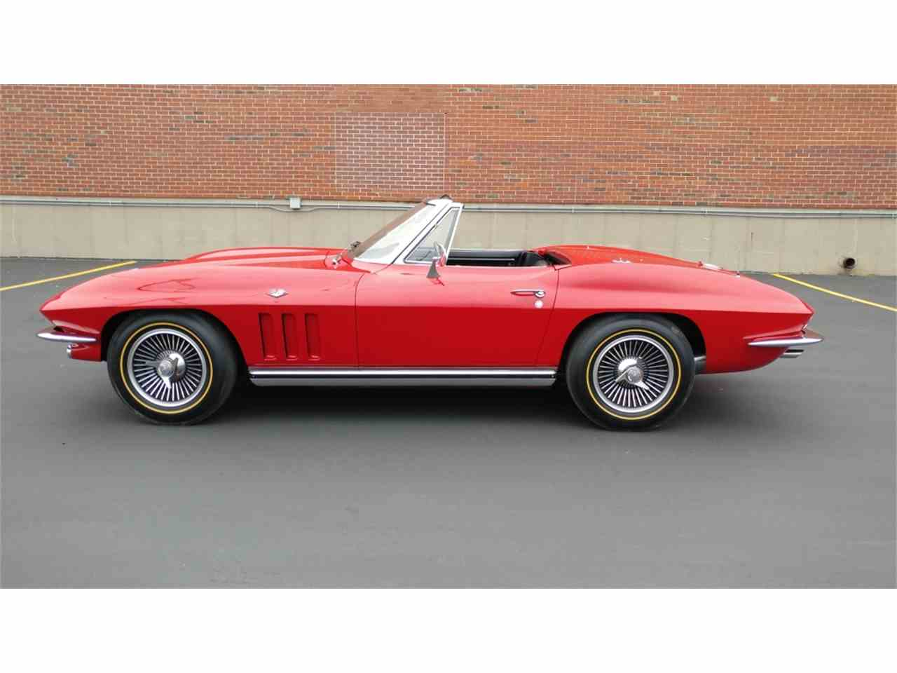 Large Picture of Classic '65 Corvette located in N. Kansas City Missouri - MO2I