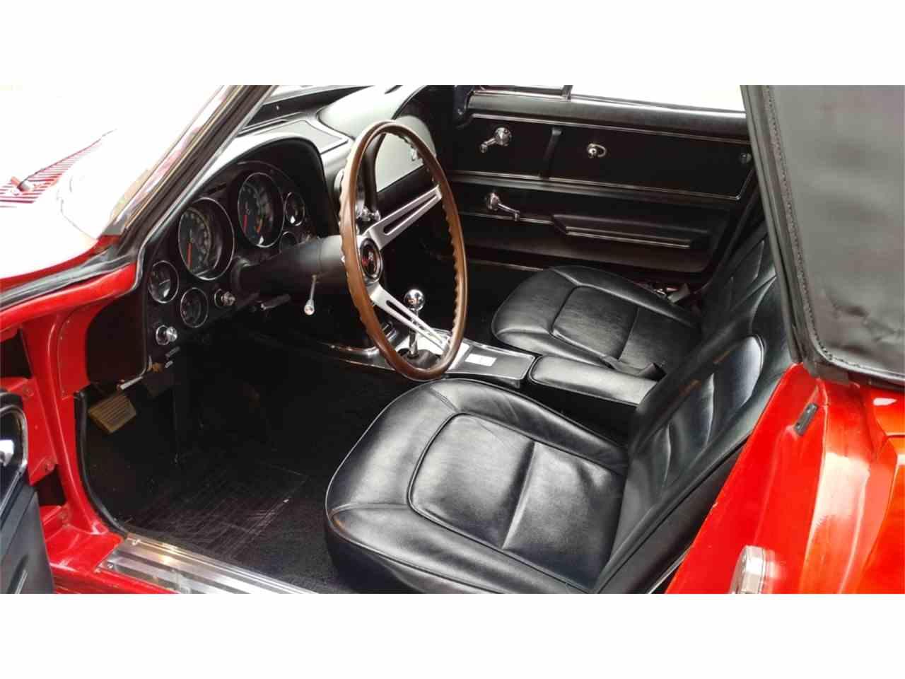 Large Picture of 1965 Corvette - MO2I