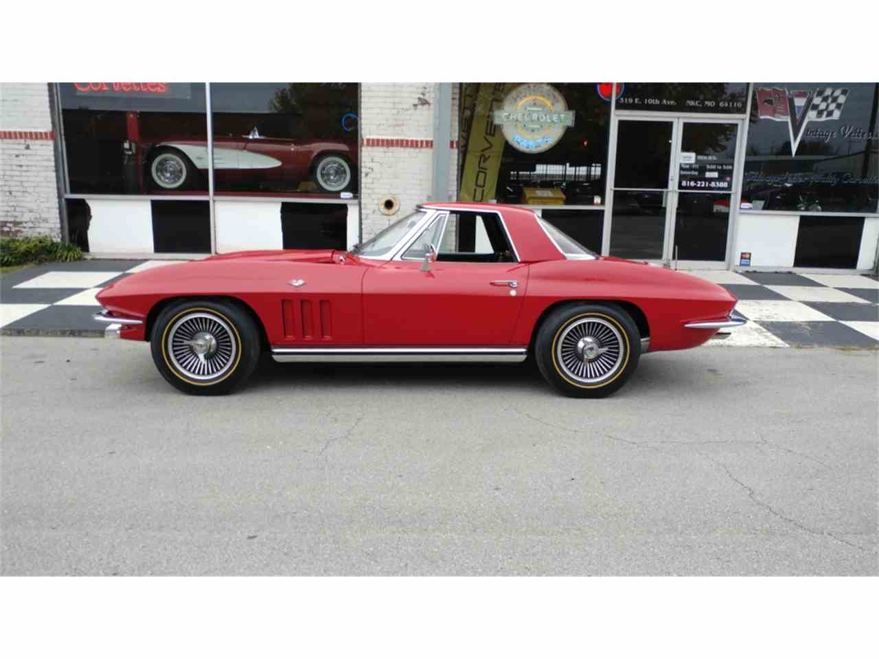 Large Picture of Classic 1965 Corvette located in N. Kansas City Missouri - MO2I