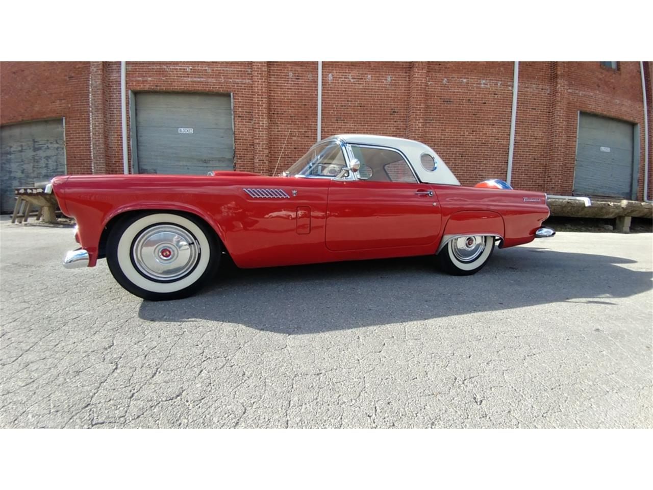 Large Picture of '56 Thunderbird - MO2K