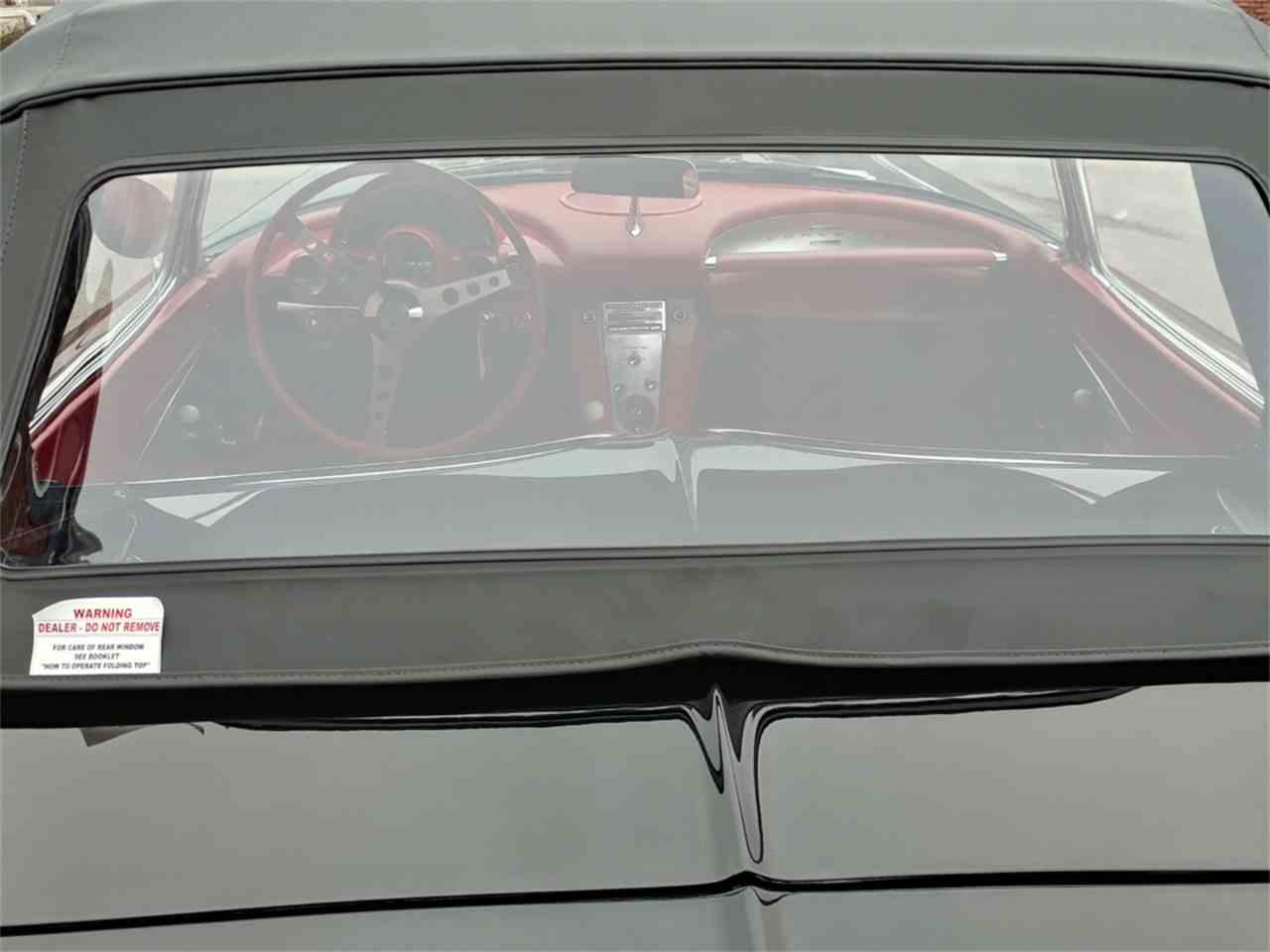 Large Picture of '61 Corvette - MO2P