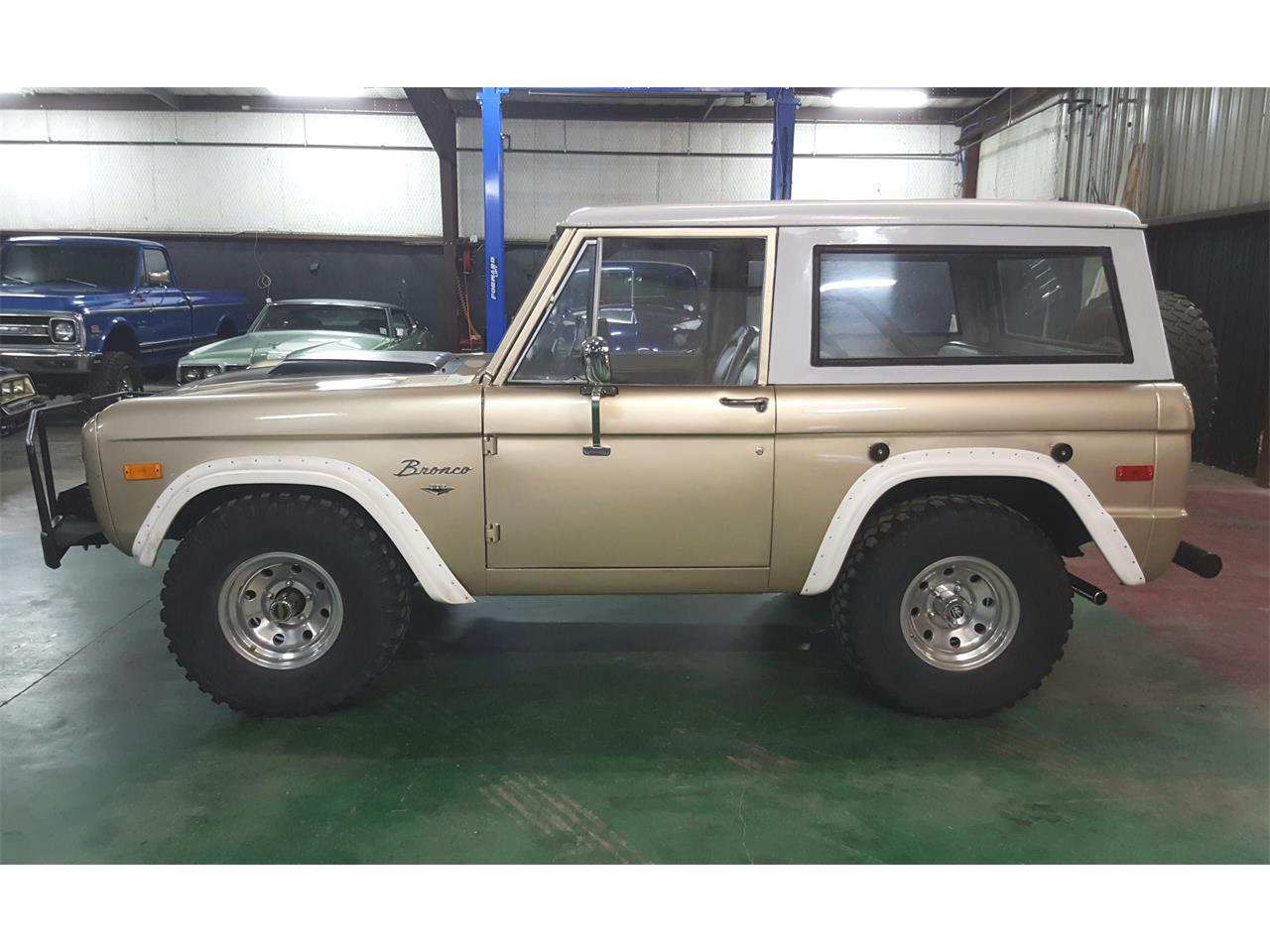 Large Picture of '74 Ford Bronco - $18,900.00 Offered by PC Investments - MO2Q