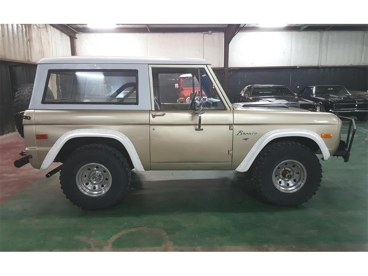 Large Picture of '74 Bronco located in Sherman Texas - $18,900.00 Offered by PC Investments - MO2Q