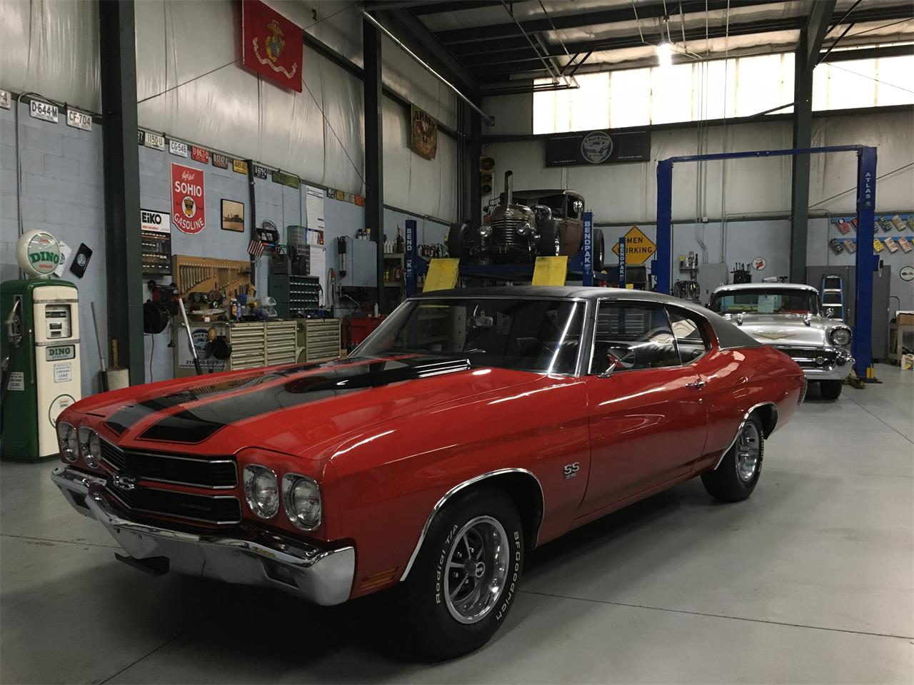 Large Picture of Classic 1970 Chevelle SS - MO3N