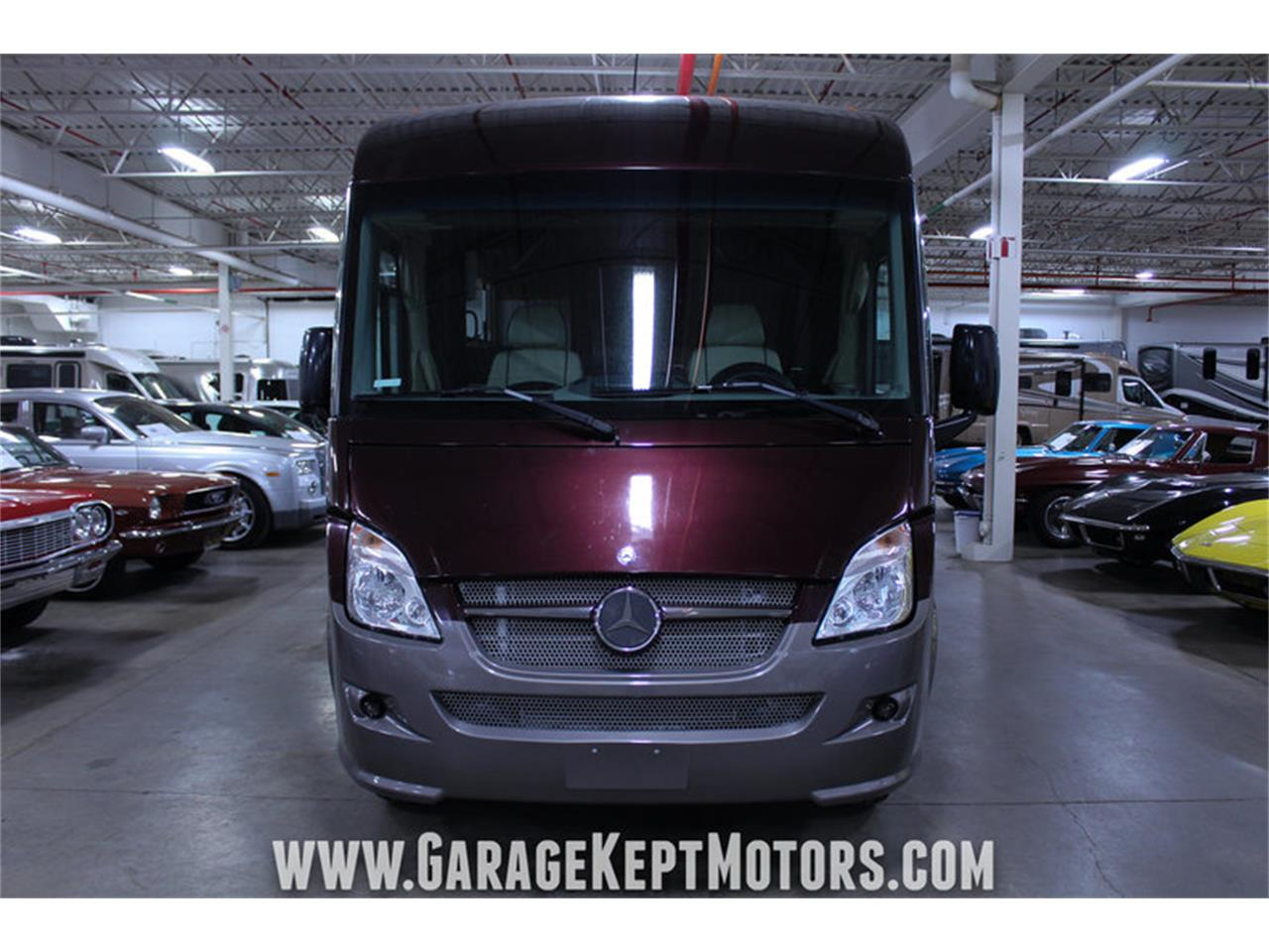 Large Picture of '14 Winnebago Via 25P located in Michigan Offered by Garage Kept Motors - MO40