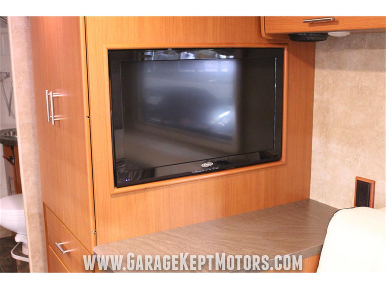 Large Picture of 2014 Winnebago Via 25P Offered by Garage Kept Motors - MO40