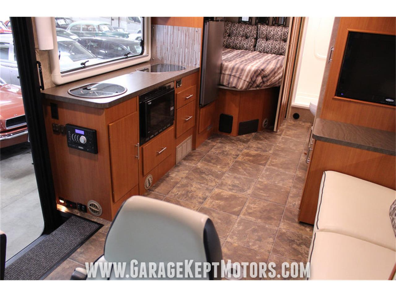 Large Picture of '14 Winnebago Via 25P located in Michigan - $94,500.00 Offered by Garage Kept Motors - MO40
