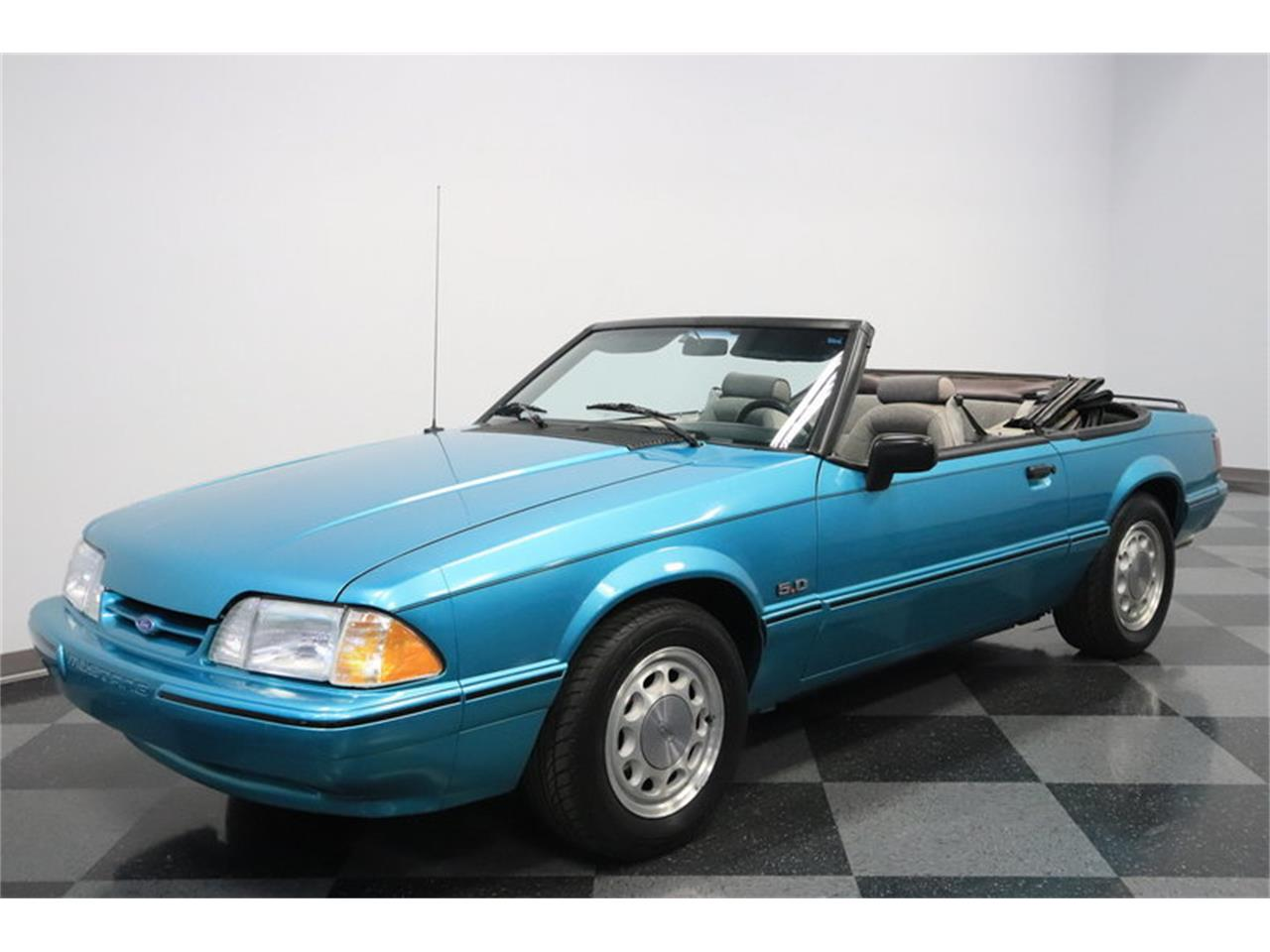 Large Picture of '92 Mustang - MO45