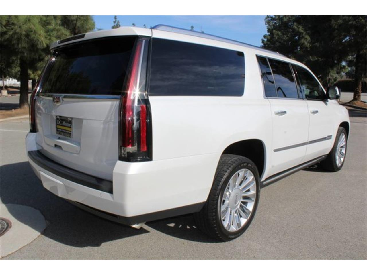 Large Picture of 2016 Escalade Offered by DC Motors - MO5S