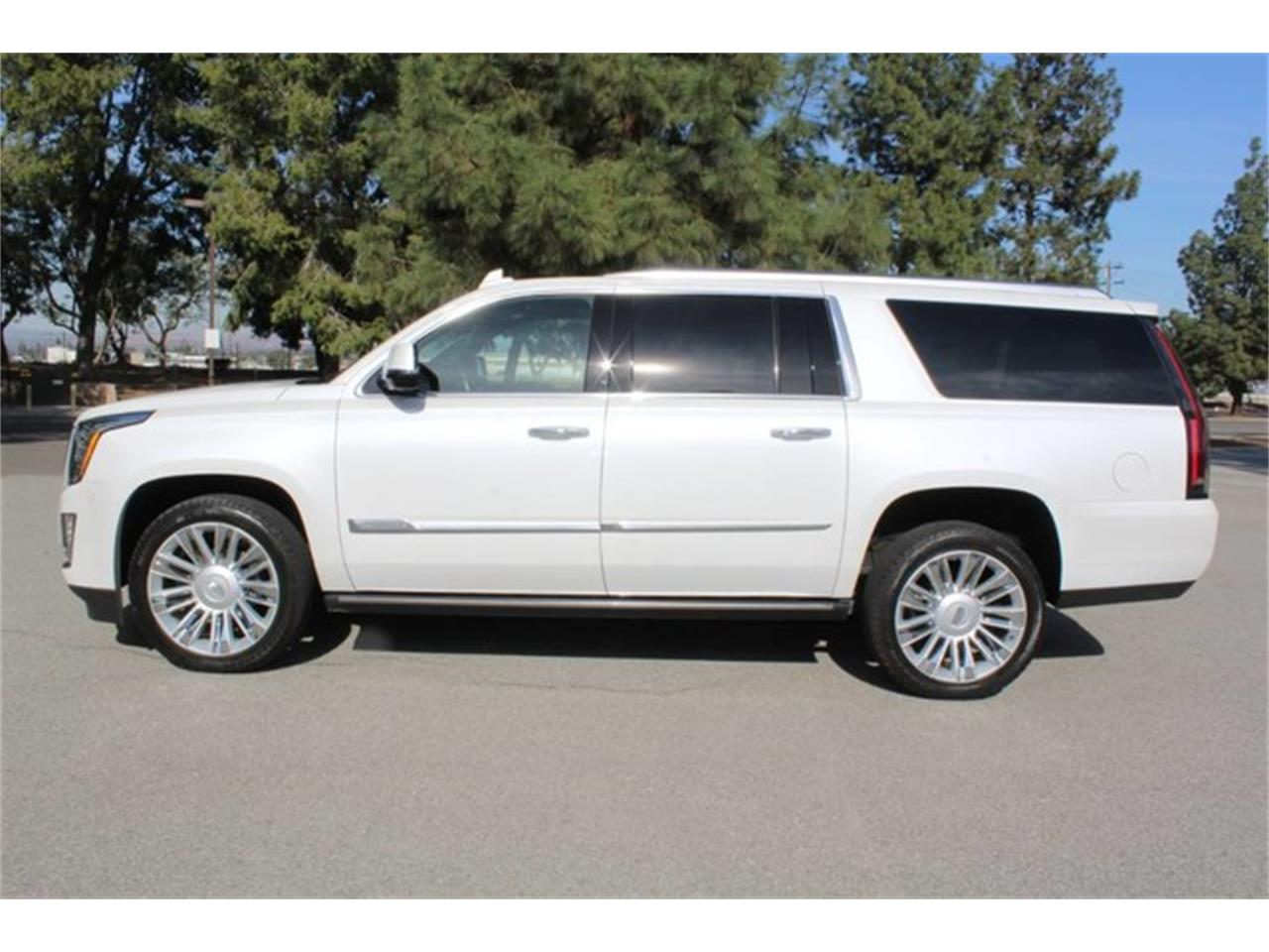 Large Picture of '16 Cadillac Escalade located in California - $67,888.00 - MO5S