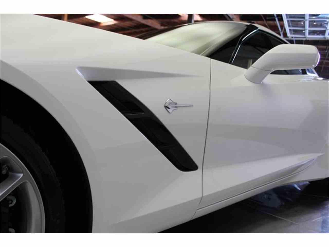 Large Picture of '17 Corvette - MO5V