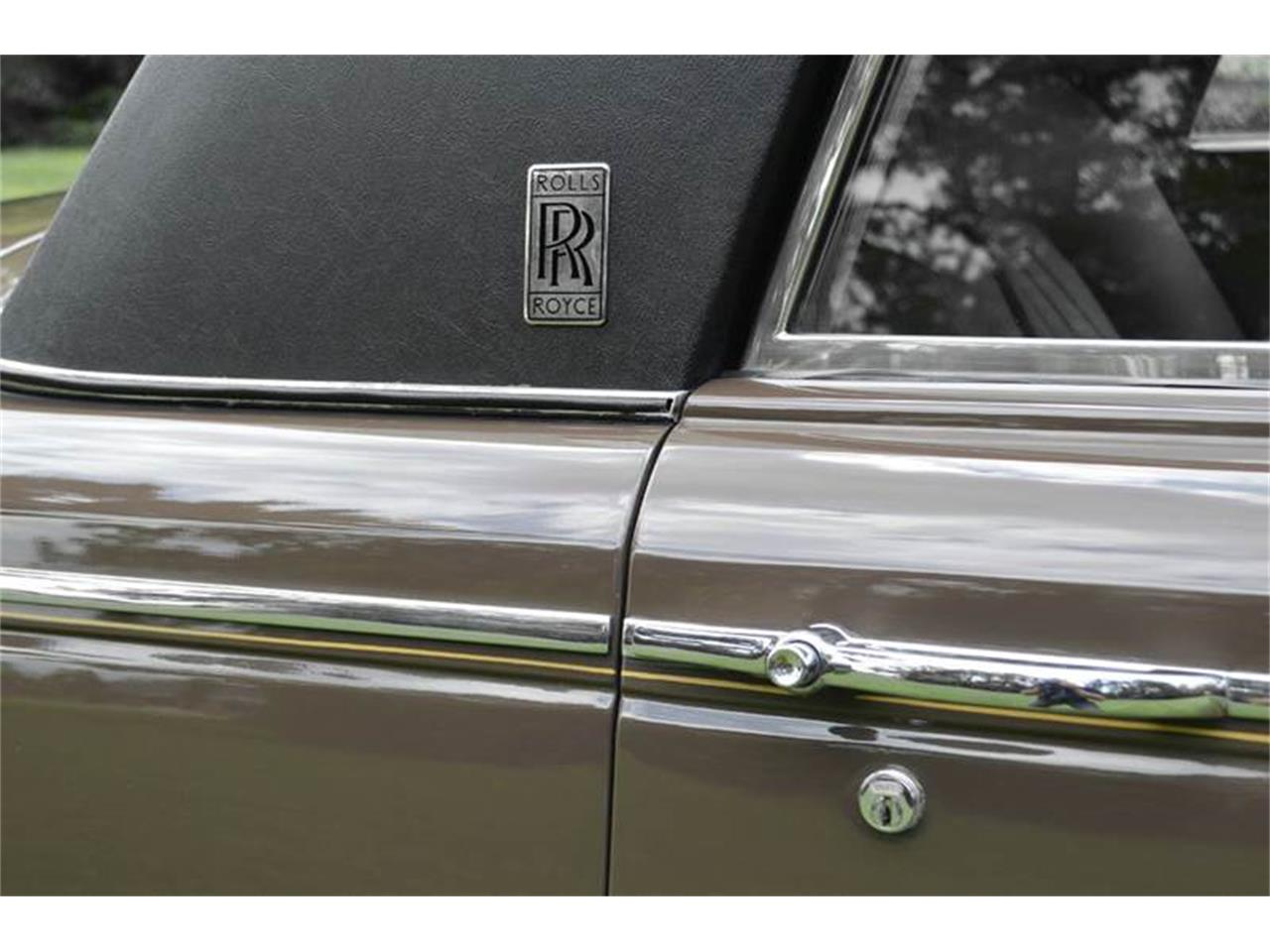 Large Picture of Classic 1969 Silver Shadow located in Illinois - MO62