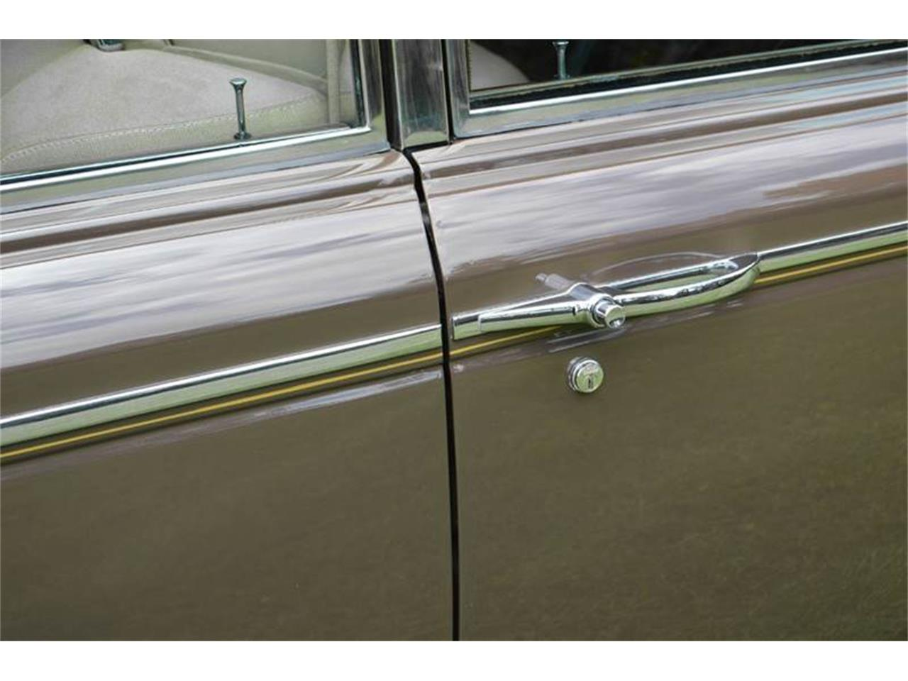 Large Picture of Classic 1969 Rolls-Royce Silver Shadow located in Carey Illinois - MO62