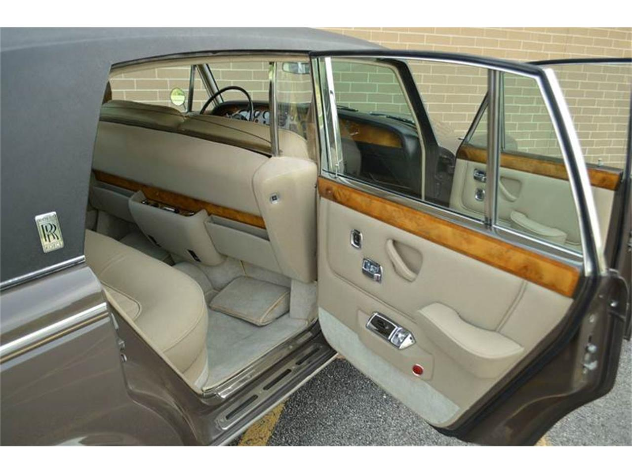 Large Picture of Classic 1969 Rolls-Royce Silver Shadow located in Carey Illinois - $54,000.00 Offered by Park-Ward Motors - MO62