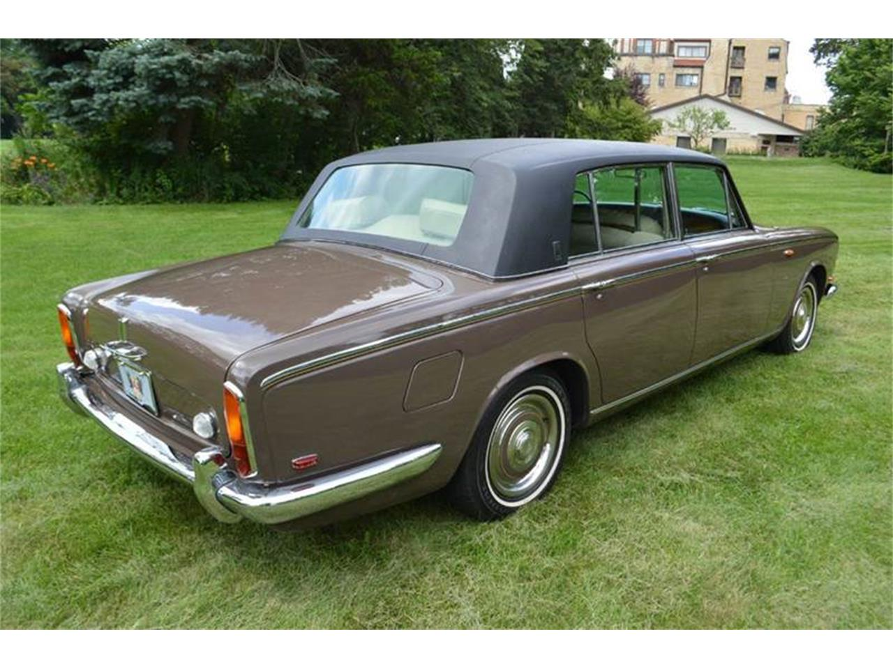 Large Picture of Classic 1969 Rolls-Royce Silver Shadow - MO62