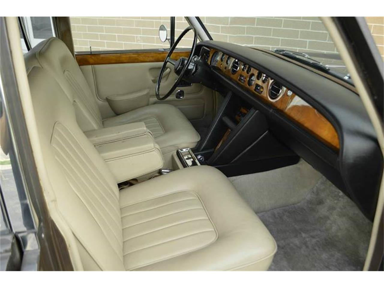 Large Picture of 1969 Rolls-Royce Silver Shadow - MO62