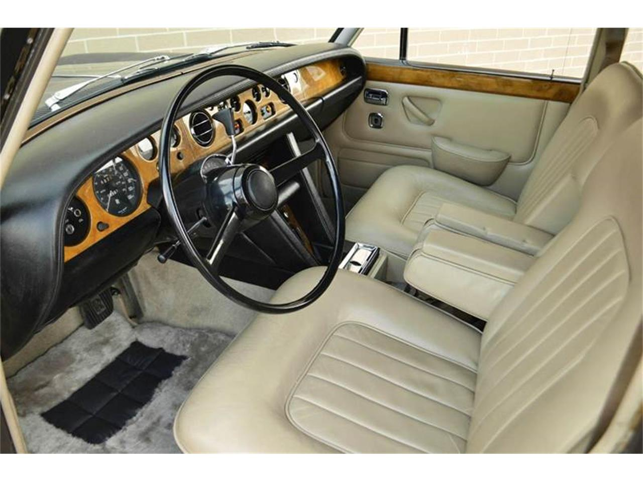 Large Picture of Classic 1969 Silver Shadow located in Illinois - $54,000.00 Offered by Park-Ward Motors - MO62