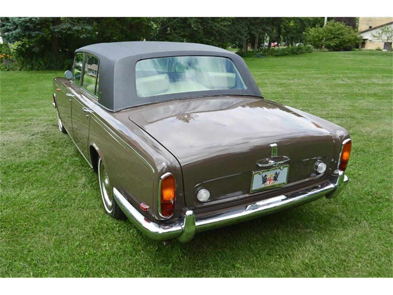 Large Picture of Classic '69 Rolls-Royce Silver Shadow located in Carey Illinois Offered by Park-Ward Motors - MO62