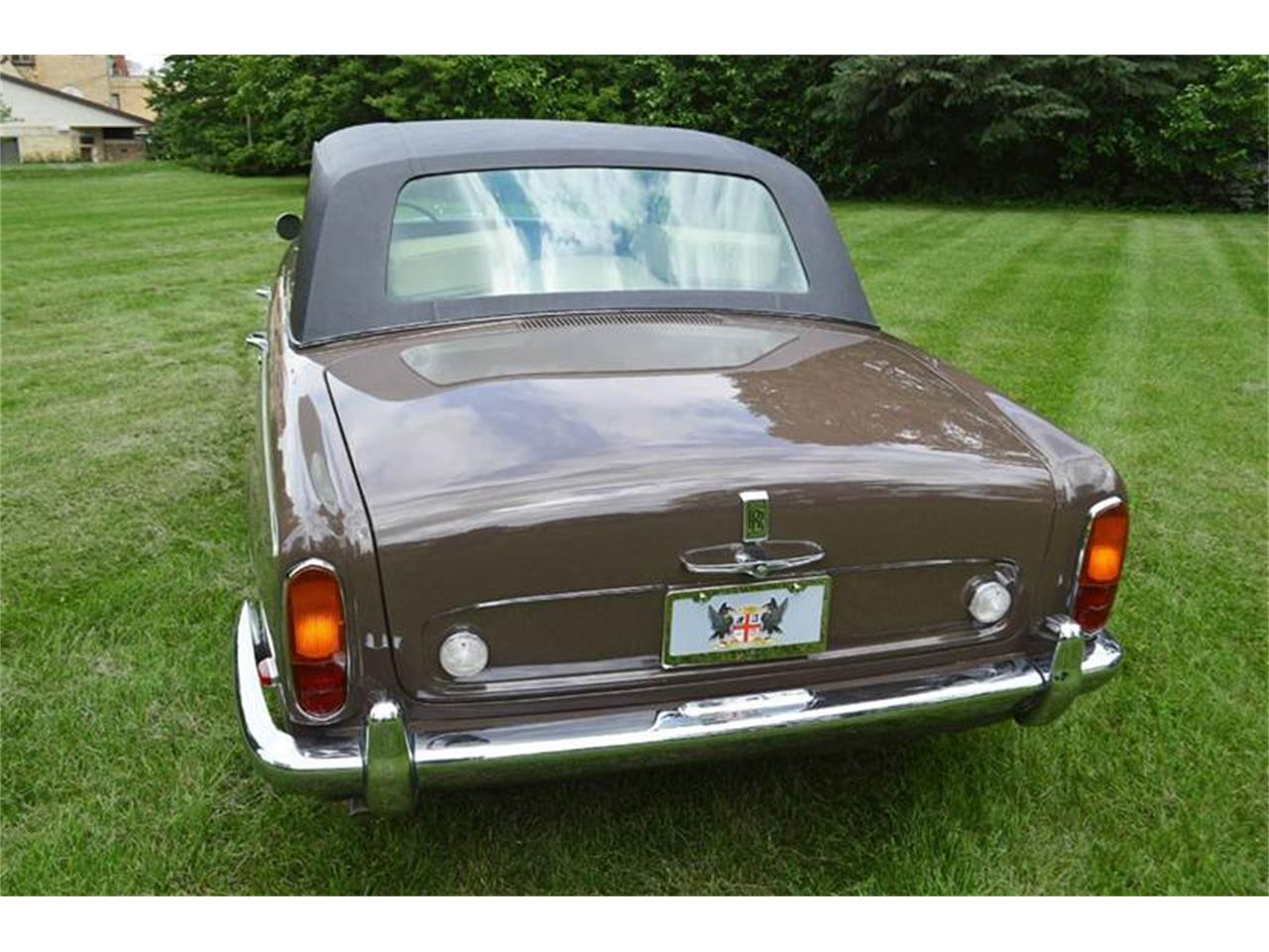 Large Picture of Classic '69 Silver Shadow located in Illinois - $54,000.00 Offered by Park-Ward Motors - MO62