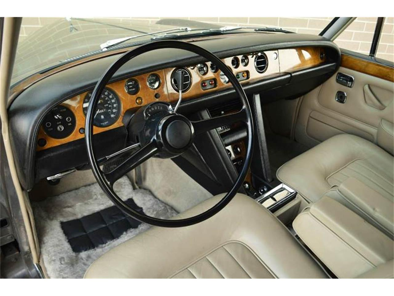 Large Picture of Classic '69 Rolls-Royce Silver Shadow - MO62