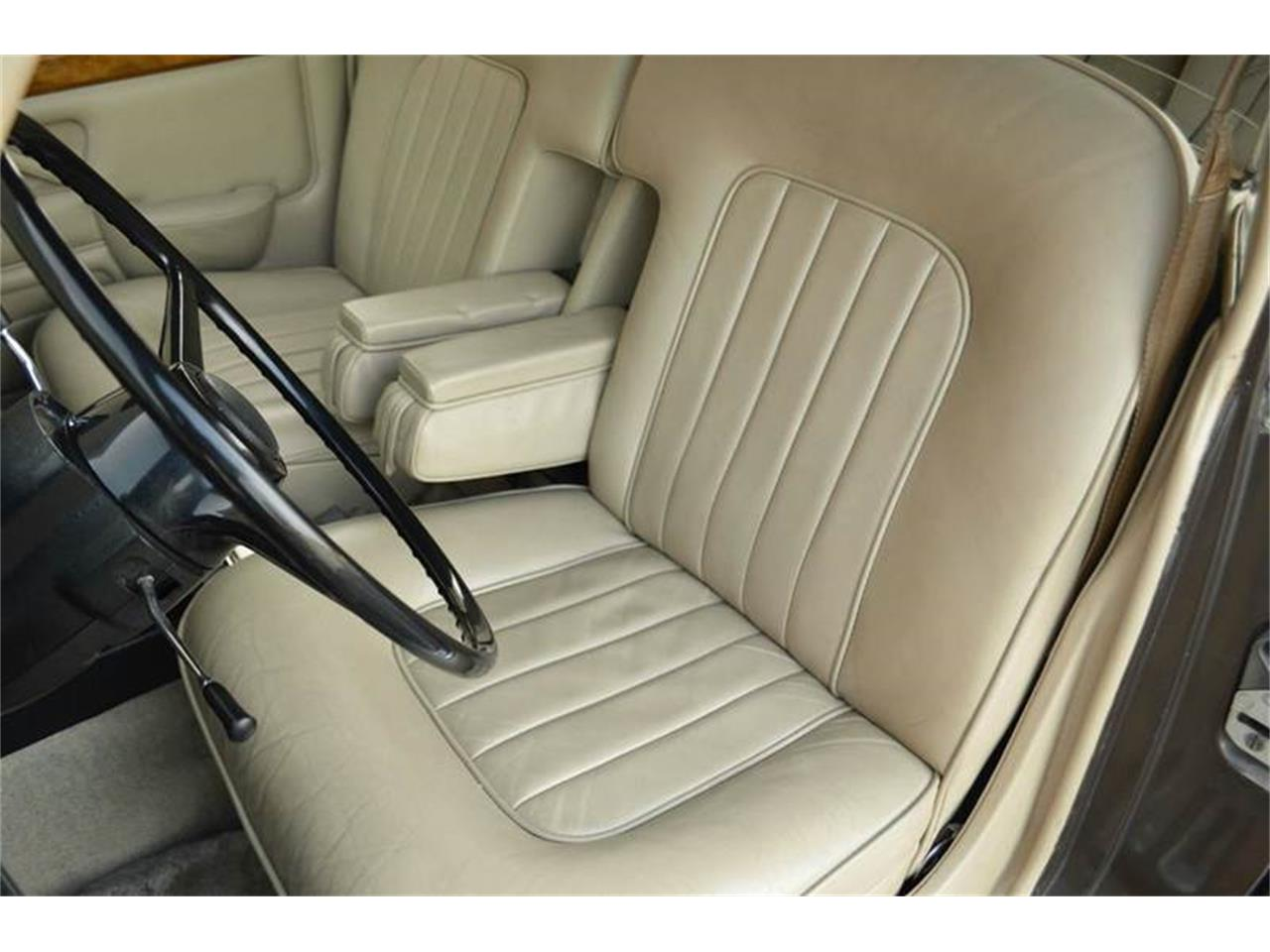 Large Picture of Classic 1969 Rolls-Royce Silver Shadow located in Illinois - $54,000.00 - MO62