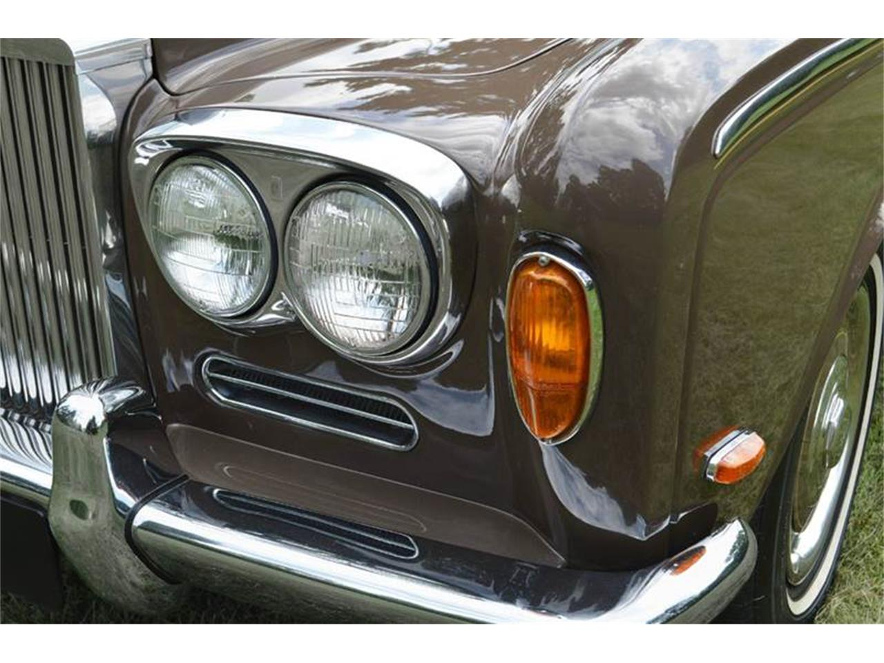 Large Picture of Classic '69 Rolls-Royce Silver Shadow located in Illinois Offered by Park-Ward Motors - MO62