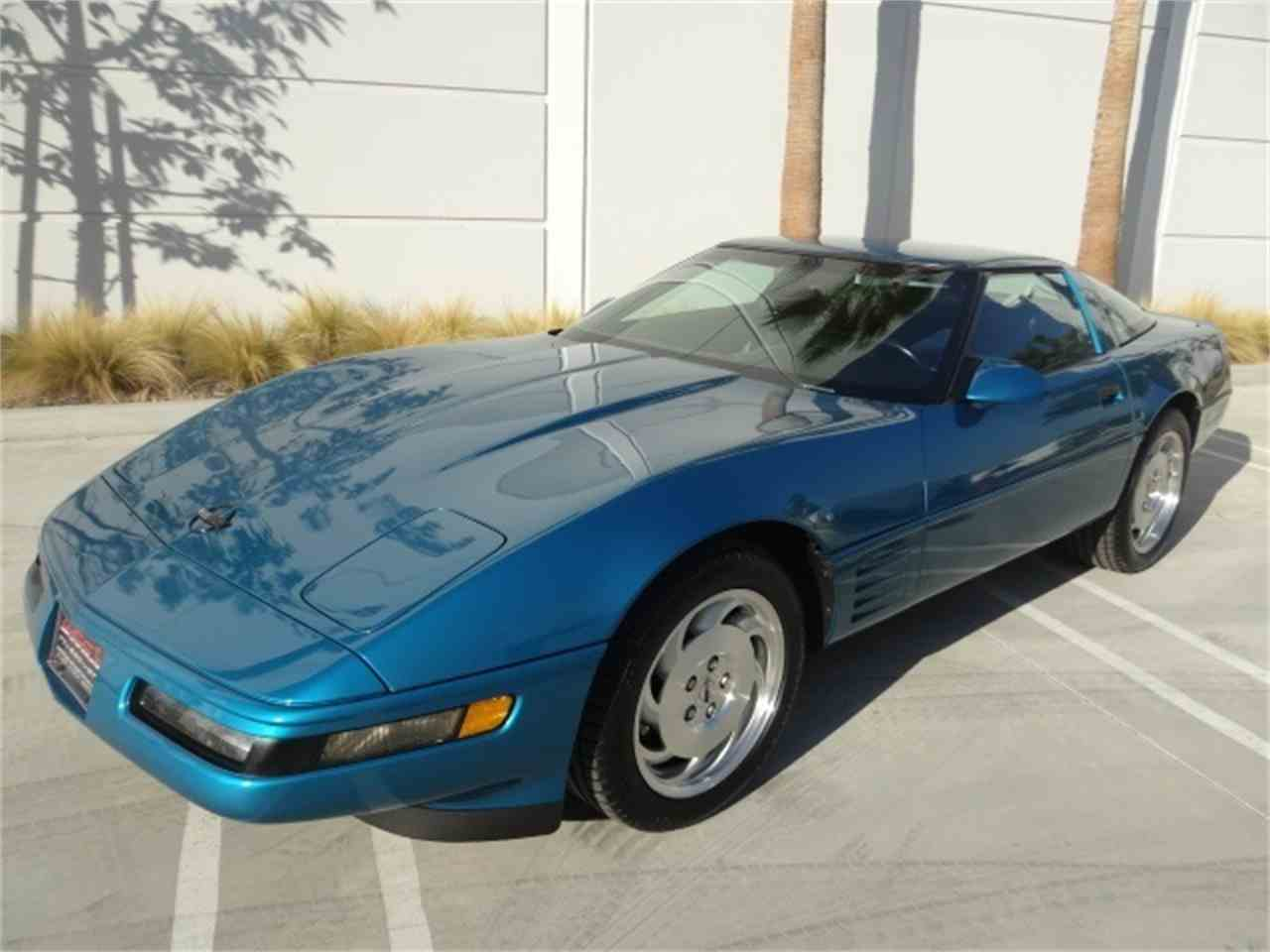 Large Picture of '93 Corvette located in California - MO6A
