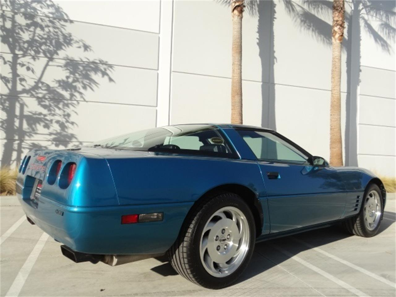 Large Picture of 1993 Chevrolet Corvette located in Anaheim California - MO6A