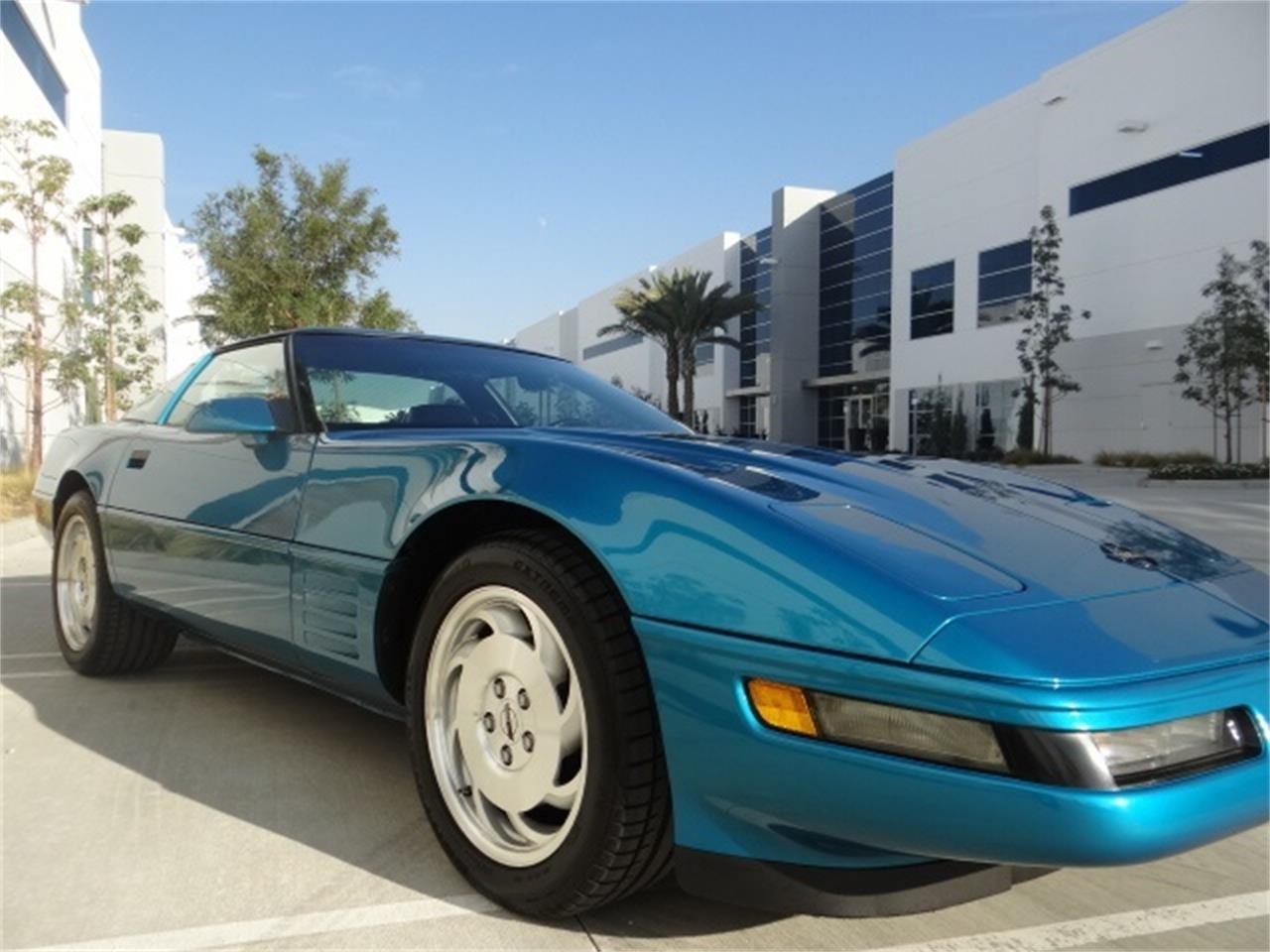 Large Picture of '93 Chevrolet Corvette located in California - $13,999.00 - MO6A