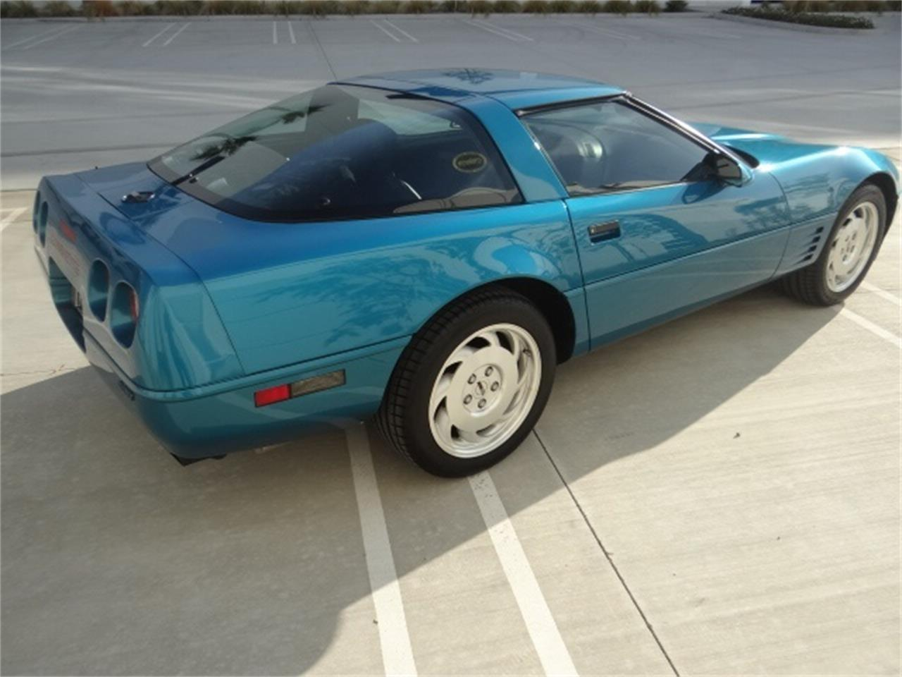 Large Picture of 1993 Chevrolet Corvette - MO6A