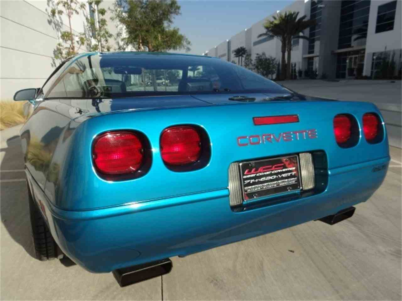 Large Picture of '93 Corvette located in Anaheim California - MO6A