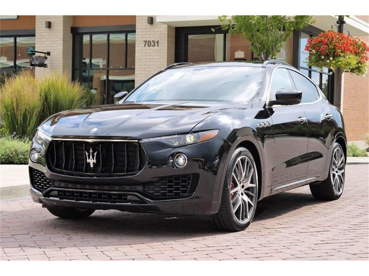 Large Picture of '17 Levante - MO6I