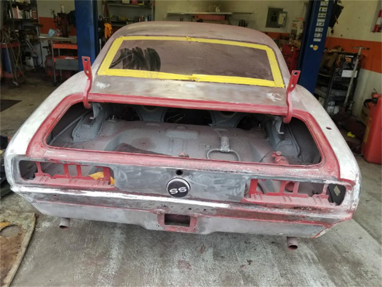 Large Picture of '68 Camaro located in Linthicum Maryland Offered by Universal Auto Sales - MO88