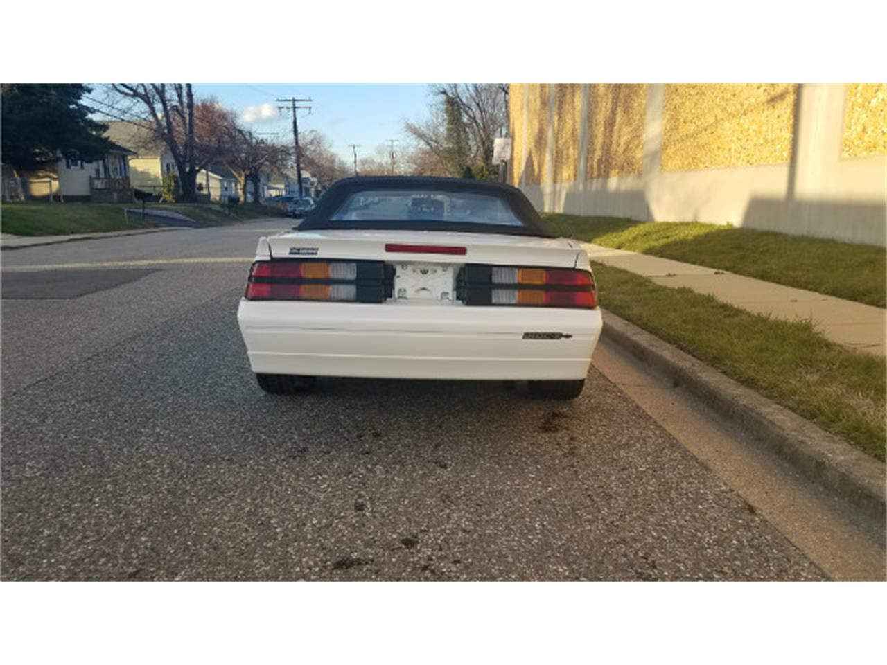 Large Picture of 1989 Camaro Offered by Universal Auto Sales - MO8K