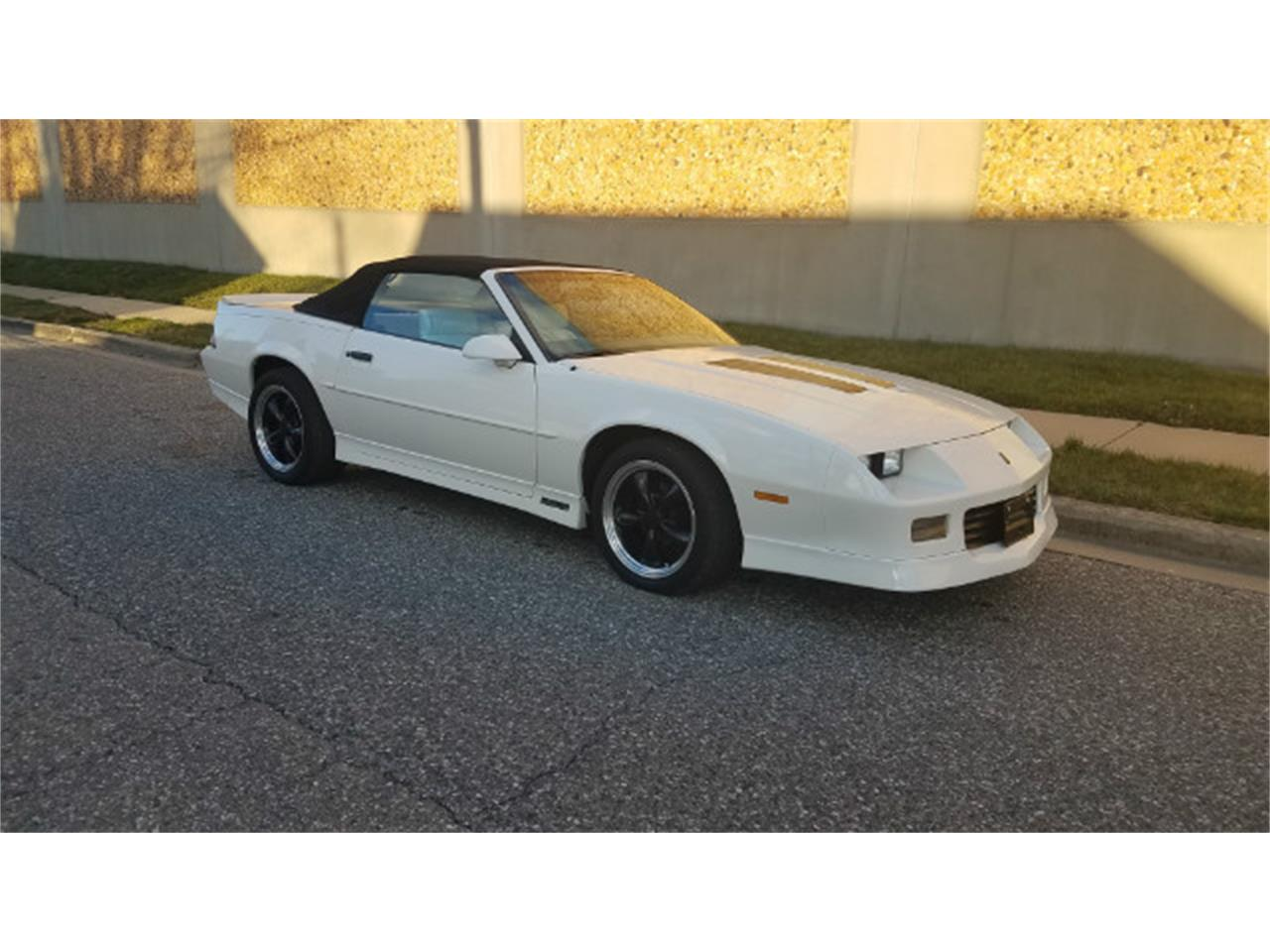 Large Picture of 1989 Chevrolet Camaro - MO8K