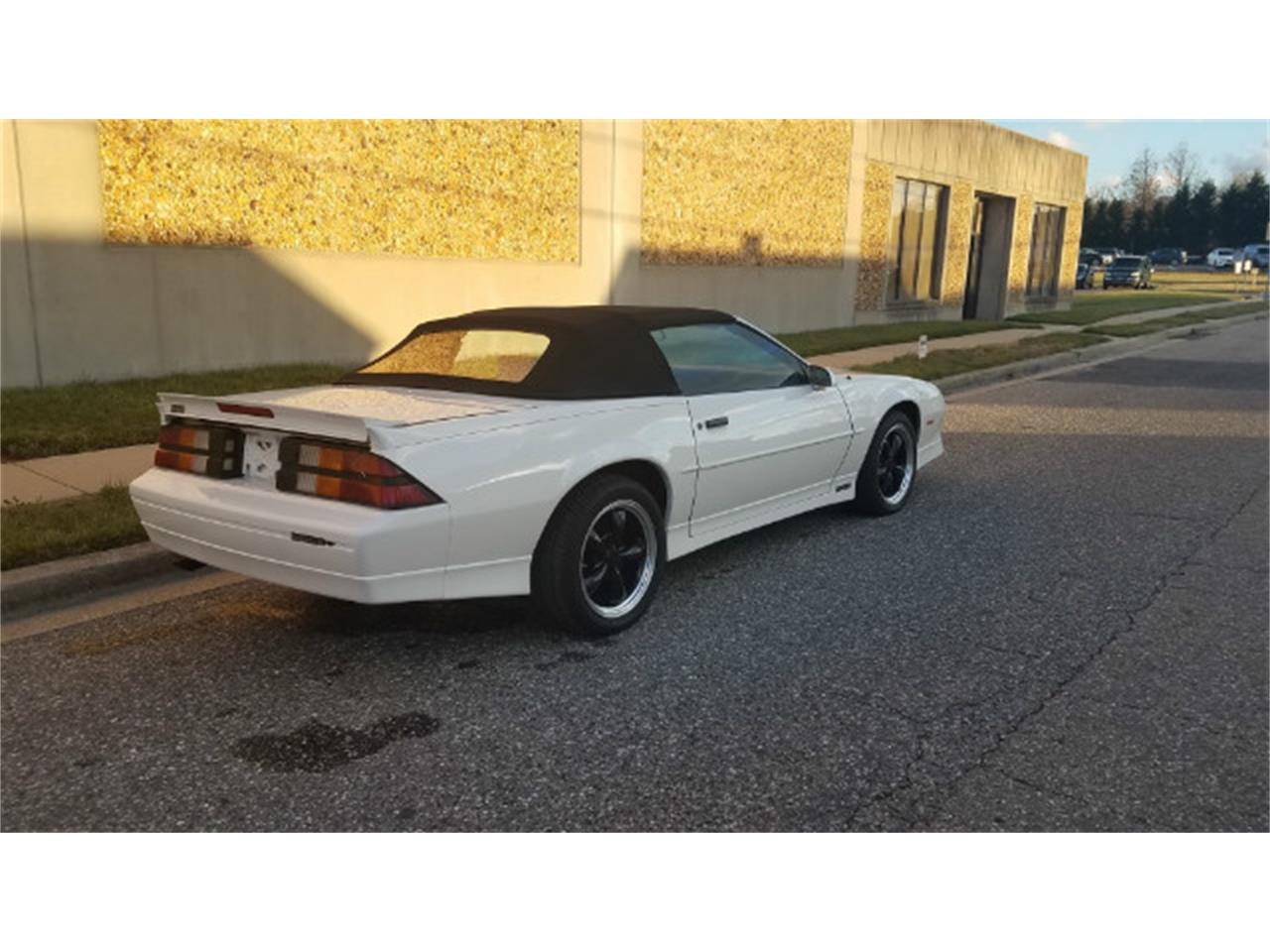 Large Picture of 1989 Camaro located in Linthicum Maryland Offered by Universal Auto Sales - MO8K