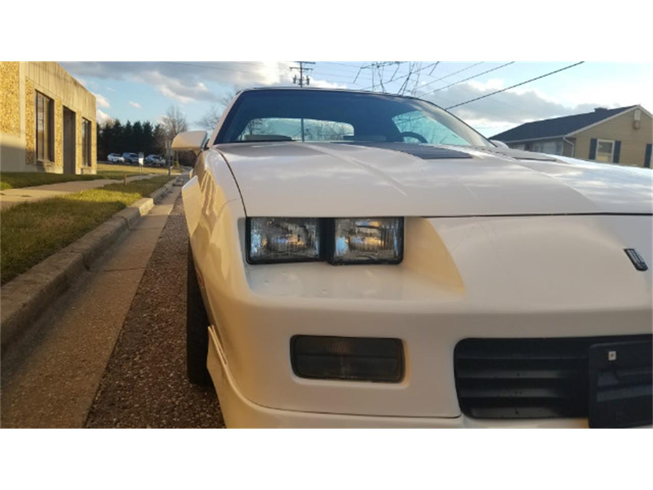 Large Picture of '89 Chevrolet Camaro - $16,500.00 Offered by Universal Auto Sales - MO8K