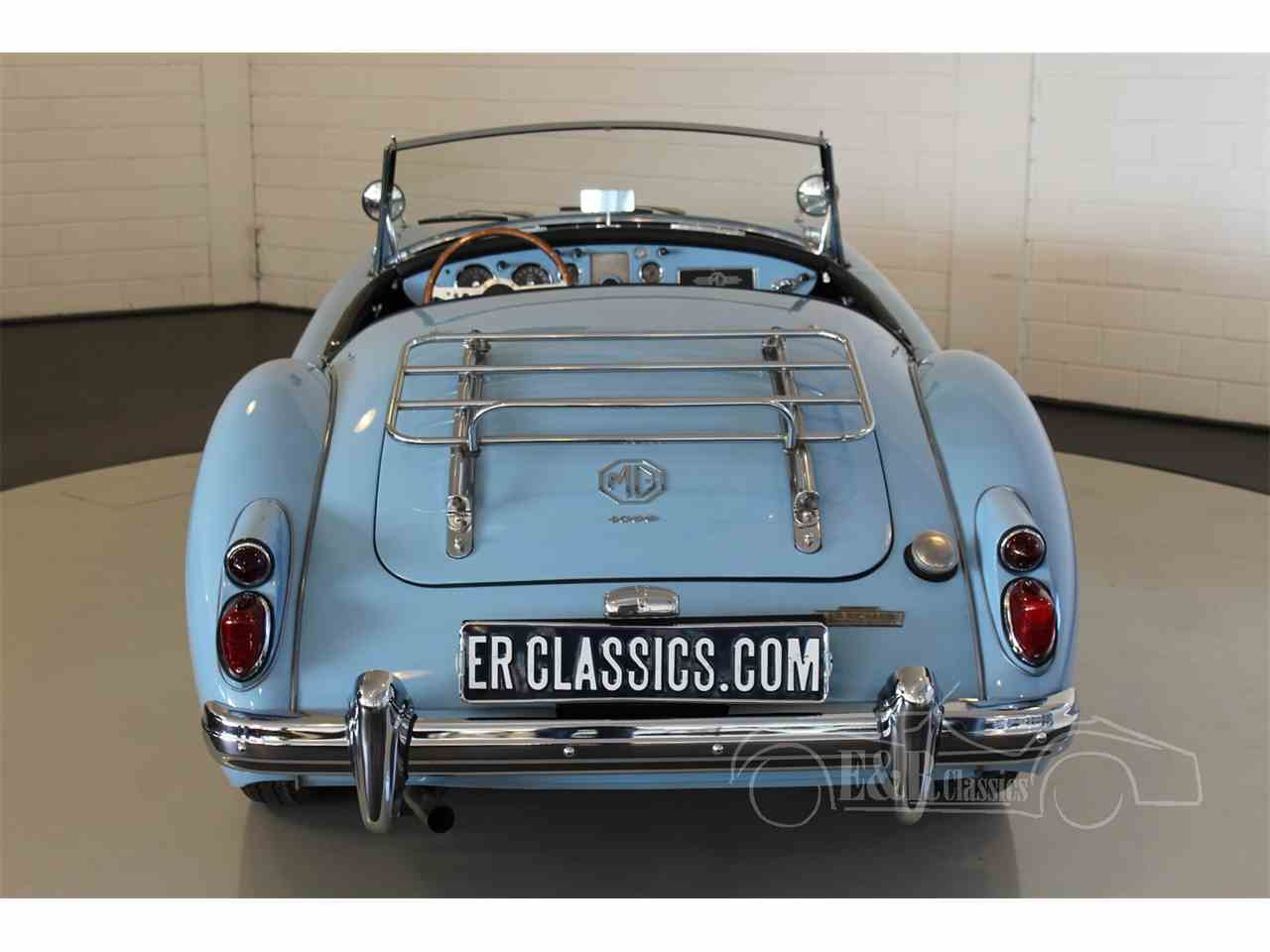 Large Picture of '61 MGA - MO98