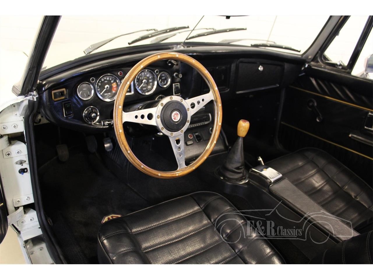 Large Picture of '75 MGB - MO9B
