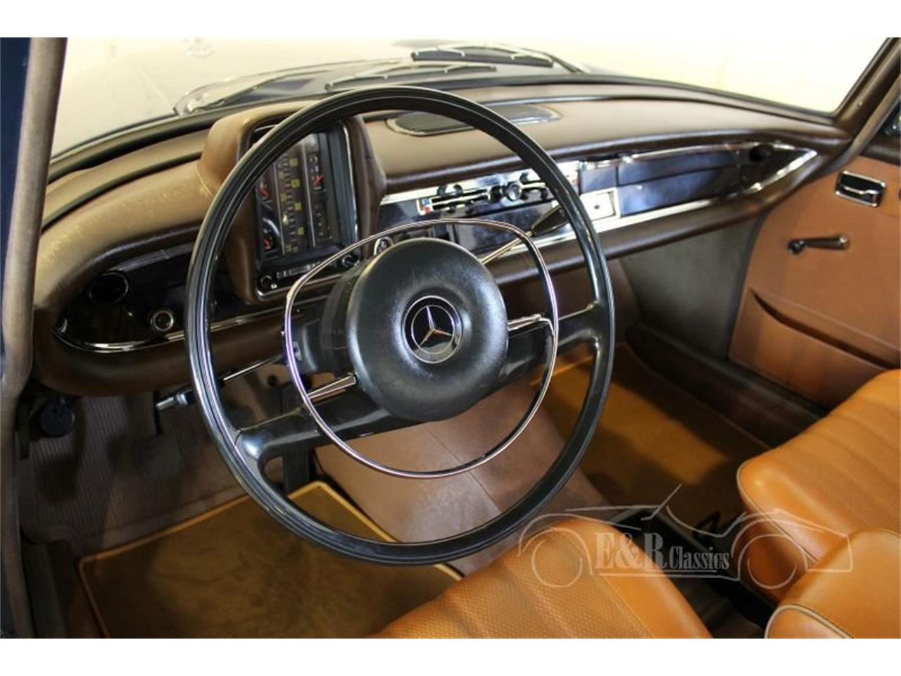 Large Picture of 1967 Mercedes-Benz 200 located in Waalwijk Noord-Brabant Offered by E & R Classics - MO9J