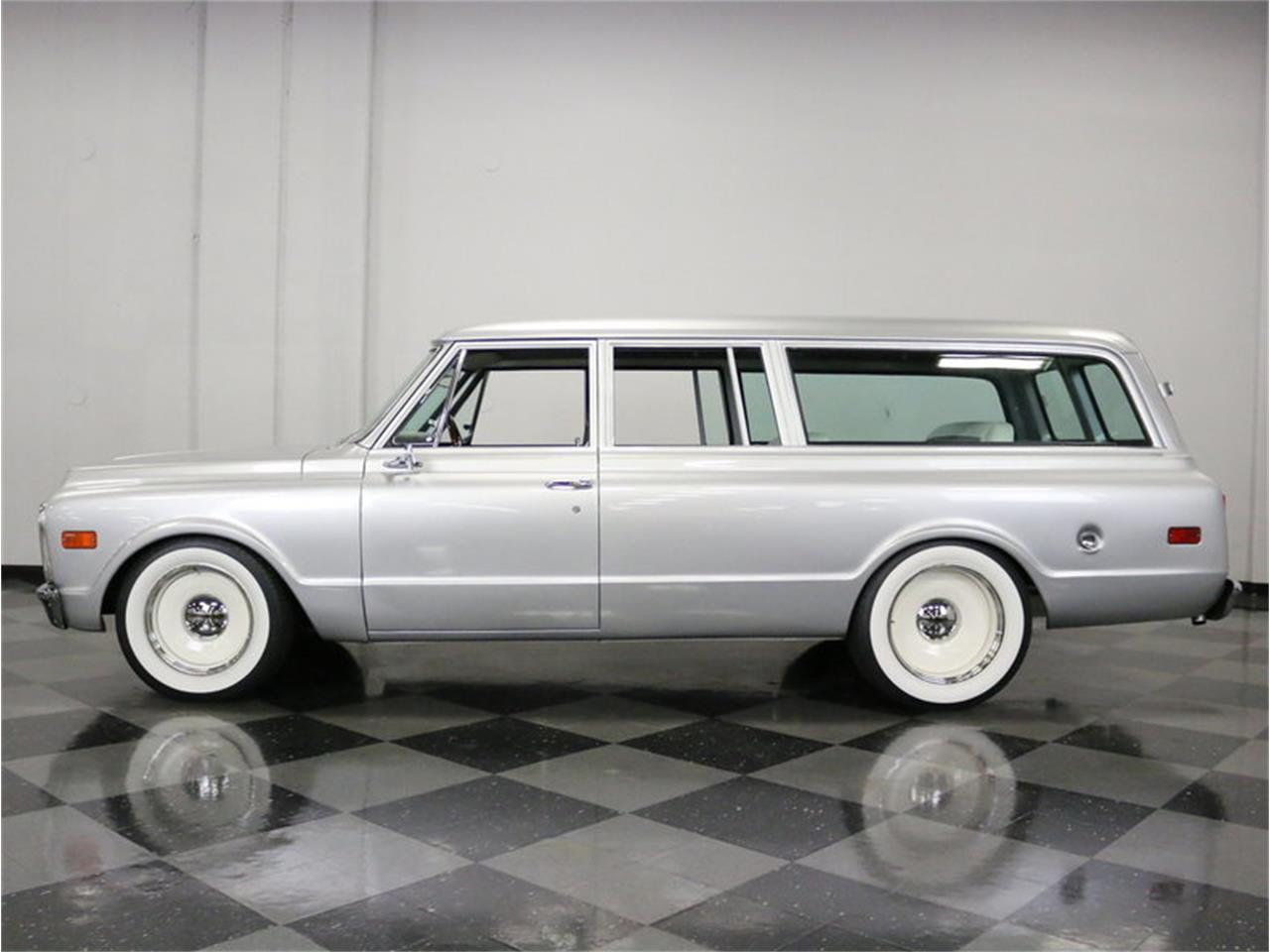 Large Picture of '71 Suburban located in Texas - $42,995.00 Offered by Streetside Classics - Dallas / Fort Worth - MOA7
